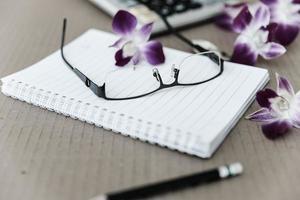 papper anteckning för ditt företag foto