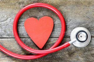 stetoskop med hjärtsymbol foto