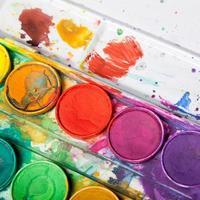 ljusa färger för akvarellmålning foto