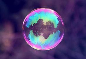 regnbågens färger i bubblan foto