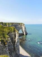 utsikt över den engelska kanalkusten med klippor foto