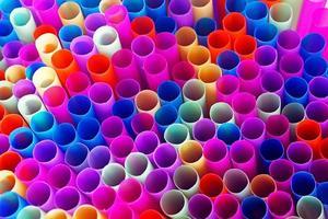 färgglada dricka sugrör foto
