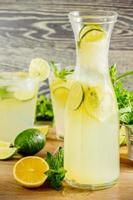 färsk limonaddrink foto