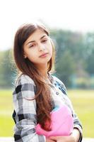 tillbaka till skolan tonåring tjej utomhus foto