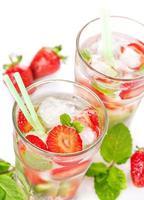 jordgubbe mojito sommar cocktail drink foto