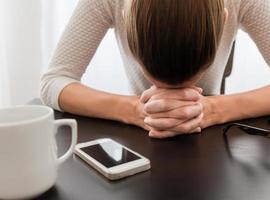 stressad kvinna foto