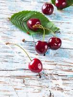 frukt på trä foto
