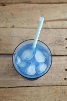 dricka blått foto