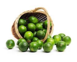färska limefrukter foto