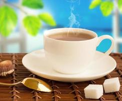 varm dryck med ånga