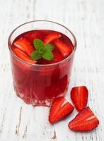 sommar jordgubbedrink foto