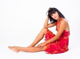 attraktiv sittande flicka foto