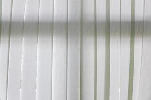 vit genomskinlig gardin foto