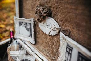 fall med bröllopstillbehör foto
