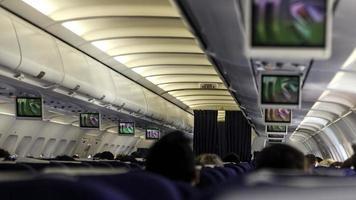 flygplan säkerhetsbälte-tv-presentation foto