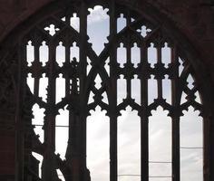 forntida gotiska fönster foto