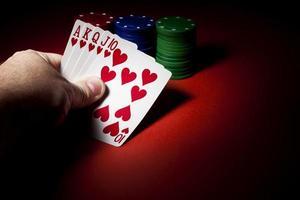 pokerchips, royal flush och kopieringsutrymme foto