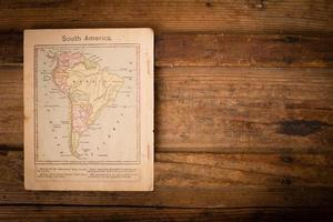 1867, gammal färgkarta över Sydamerika, med kopieringsutrymme foto