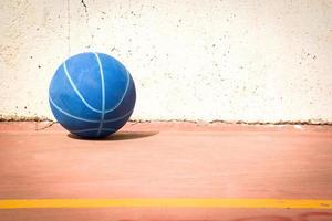 basket på gatan foto