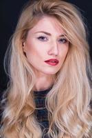 vacker blond gilr foto