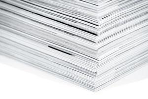 tidningssidor på nära håll foto