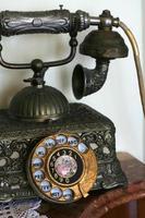 gammal telefon på nära håll foto