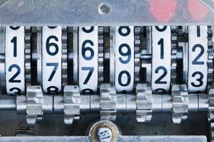 mekanisk räknare på nära håll foto