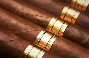 närbild av cigarrer