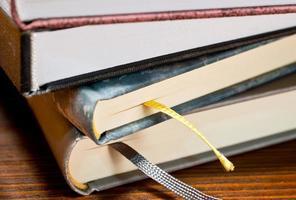 detalj av böcker foto