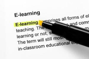 e-lärande text markerad med gult foto