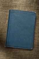 mörkblå anteckningsbok foto