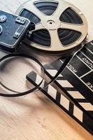 svarta tavlan och rulla filmkamera foto