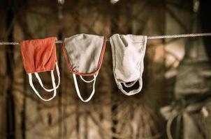 mask som hänger på repet foto