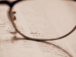 studerar engelska foto