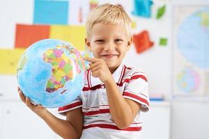 studerar geografi foto
