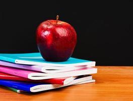 skolbarn och student studerar tillbehör. foto