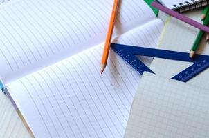 färgglada pennor foto