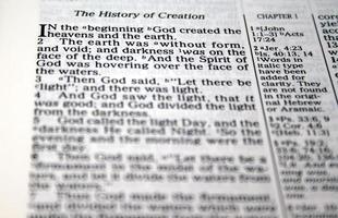 i början skapade gud ...