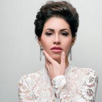 porträtt av vacker kvinna bröllop modell foto