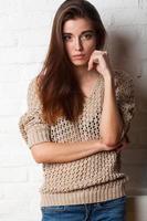 studio porträtt av mode modell foto
