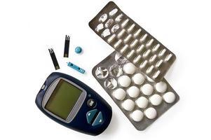 glukometer med piller foto