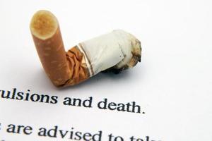 cigarett och död foto