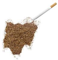 cigarett och tobak formad som nigeria (serie) foto