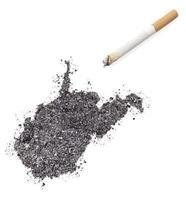 ask formad som västra virginia och en cigarett. (serie) foto