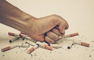 sluta röka cigarett foto