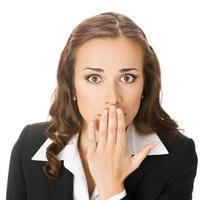 affärskvinna som täcker munnen, isolerad foto