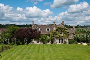 engelskt hus på landet foto
