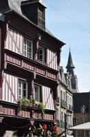 medeltida byggnader i trä. foto