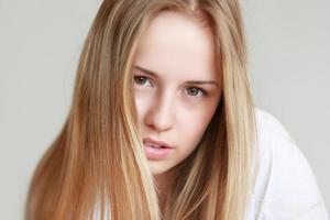 vacker tonårig tjej foto