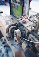 industrimaskiner i en gammal fabrik foto